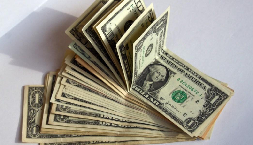 Dólar vende 1819 pesos bancos CDMX