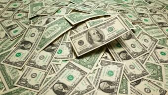 Dólar cierra con alza cuatro centavos