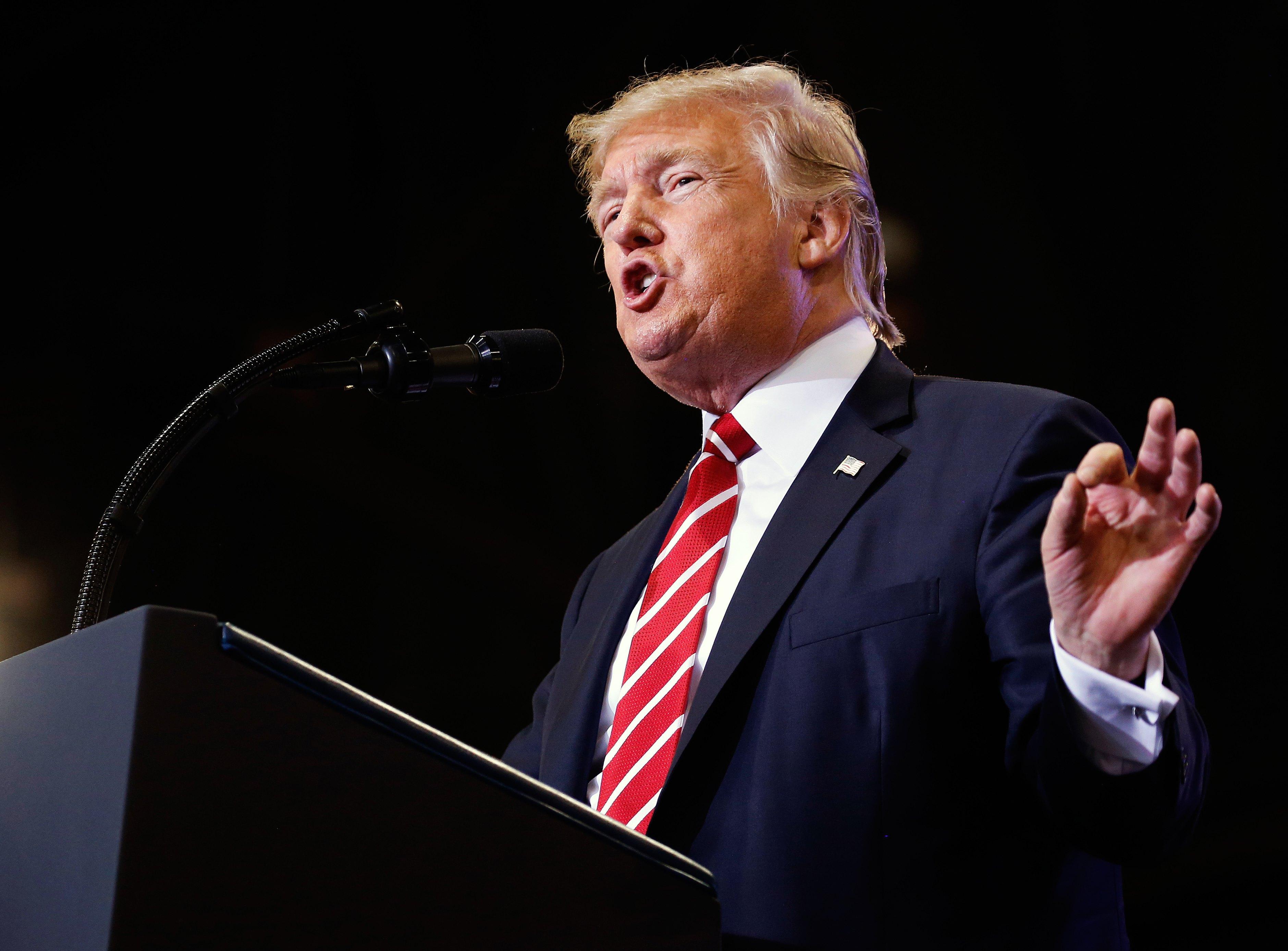 Vamos a terminar con el TLCAN ya construir el muro: Trump