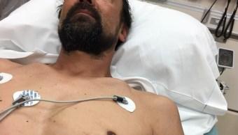 Hombre maneja hospital Wisconsin clavo pecho
