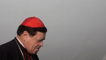 El cardenal Norberto Rivera ora por las víctimas de Barcelona