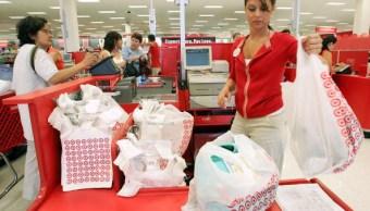 El gasto del consumidor en Estados Unidos aumenta moderadamente