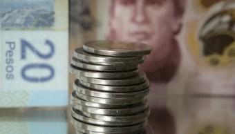 El peso mexicano opera estable este martes