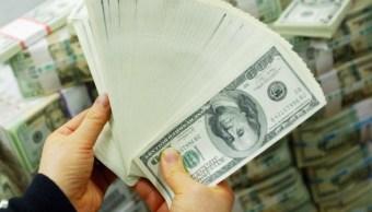 El precio del dólar aumenta en bancos capitalinos