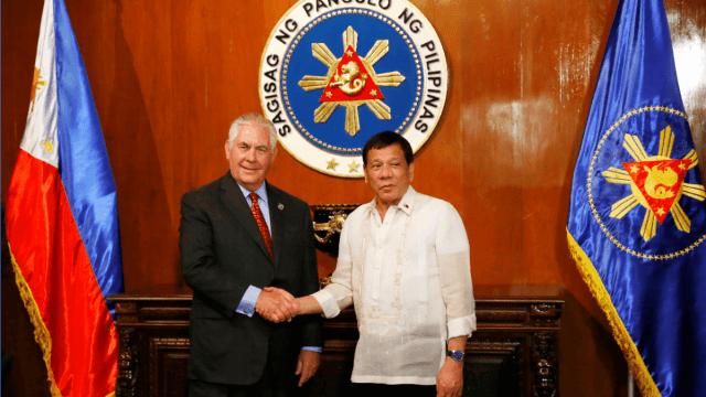 Rex Tillerson y Rodrigo Duterte en Manila