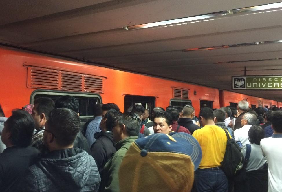 Tren averiado retrasa servicio en Línea 3 del Metro