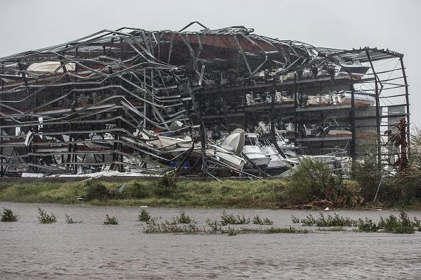 Tormenta 'Harvey' avanza en Texas; se desconoce magnitud de daños