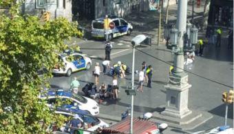 Furgoneta atropella a varias personas en Barcelona