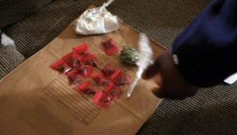 Policias incautan grapas de marihuana y cocaina