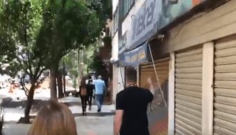 """gritan """"asesino"""" a ex vicepresidente de Venezuela en la Condesa"""