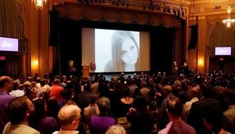 Homenajean a Heather Heyer, víctima mortal de protestas en Charlottesville