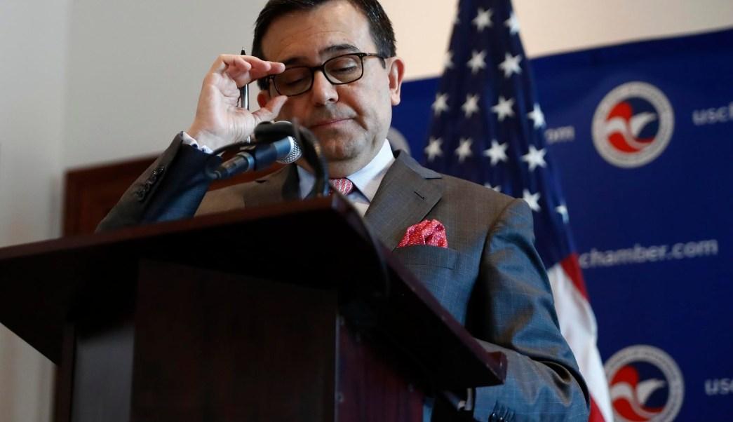 Ildefonso Guajardo, secretario de Economía, en equipo de renegociación