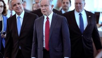 Jeff Sessions pide castigar criminales ciudades santuario
