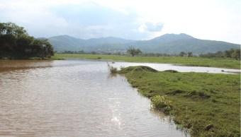 Desfogan laguna de Tixtla ante riesgo de inundación