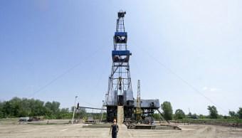 Las altas ventas globales tiran los precios del petróleo