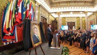 develan retrato luis videgaray palacio nacional