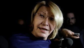Luisa Ortega a su llegada al aeropuerto internacional de Brasilia