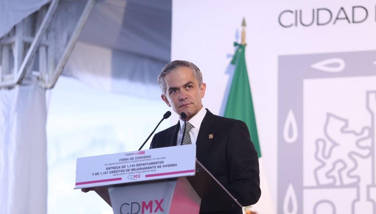 Mancera entrega departamentos créditos vivienda CDMX