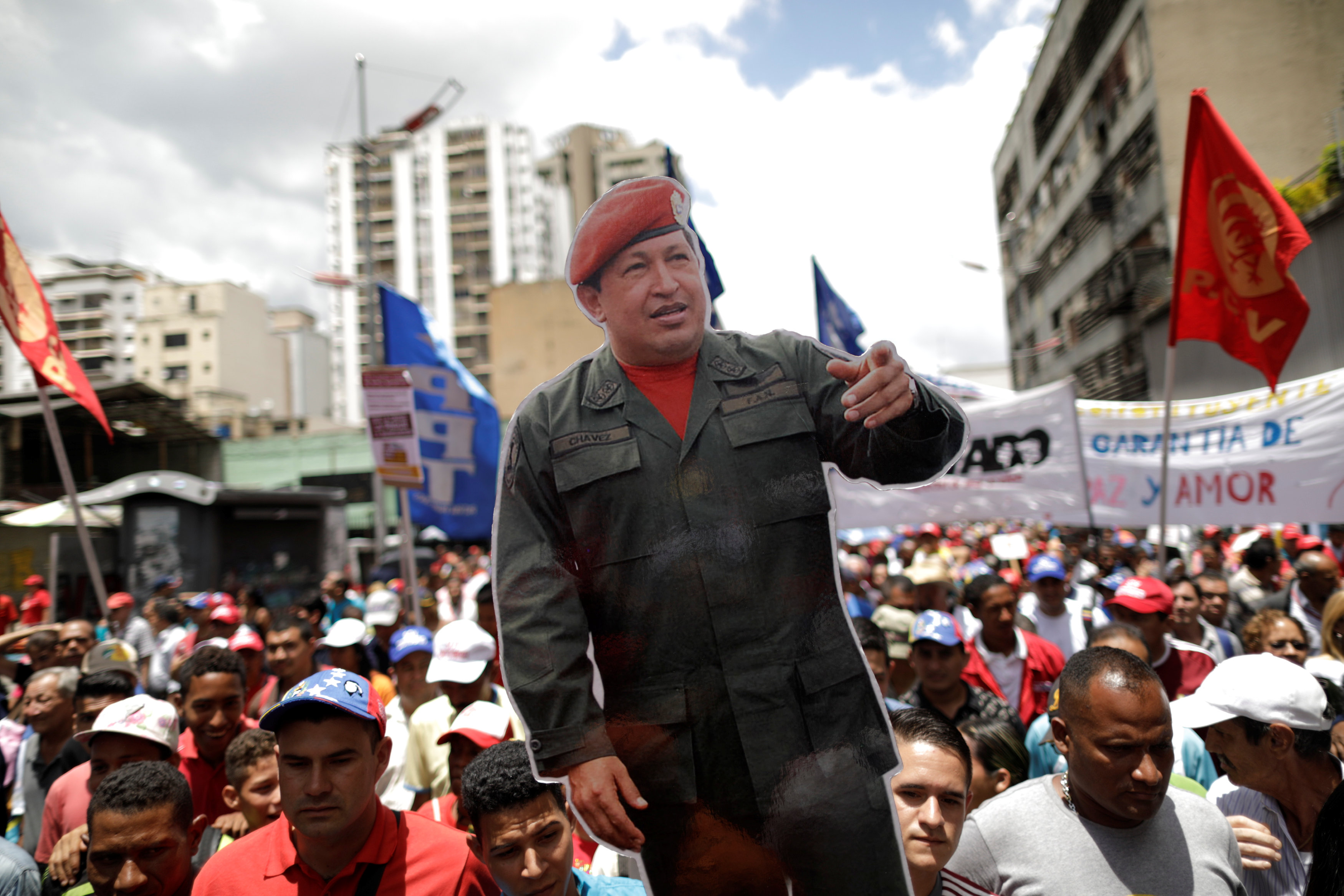 Maduro posterga para el viernes instalación de su Constituyente