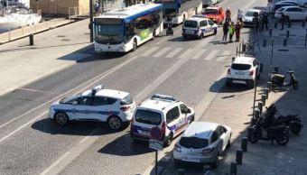 vehiculo embiste paradas autobus francia muerto