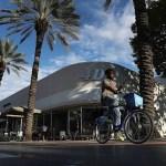 Terrorista de Barcelona sobrevive a explosión en casa por salir a terraza