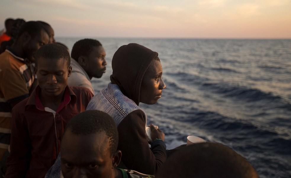 Italia propone campos de refugiados en Libia para frenar inmigración a Europa