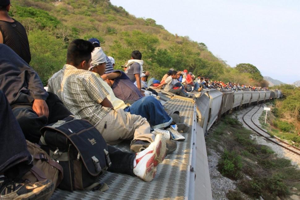 México asesora a sus migrantes en EU contra abusos laborales
