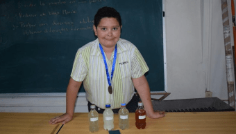 Niño mexicano inventa removedor de graffiti base de nopal