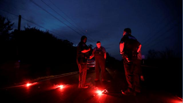 Oficiales vigilan zona de explosiones en Texas