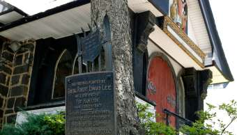 Planean retirar placa que honra al comandante confederado Robert E. Lee