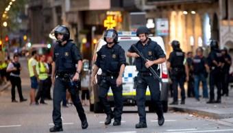 policias resguardan zona de las ramblas