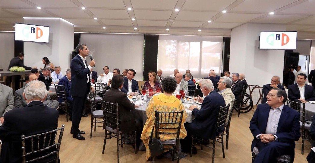 Exgobernadores del PRI analizan situación interna del partido