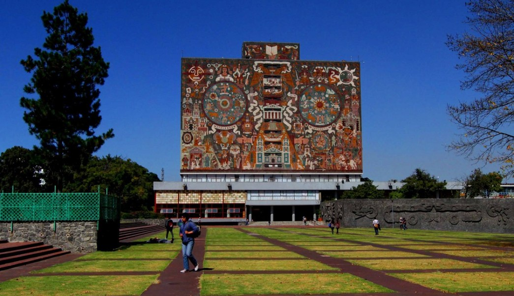 Inician clases más de 350 mil alumnos de la UNAM