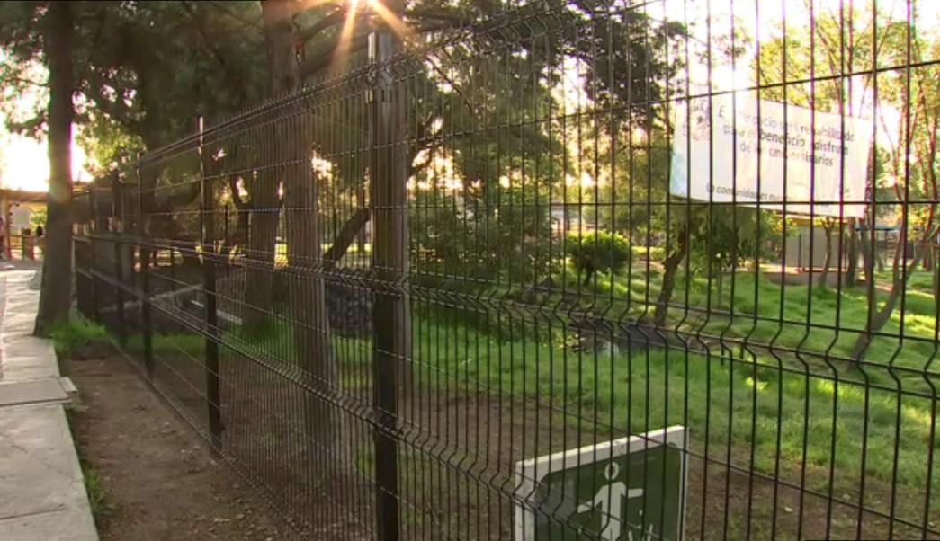 Autoridades de la UNAM cercan areas verdes en CU