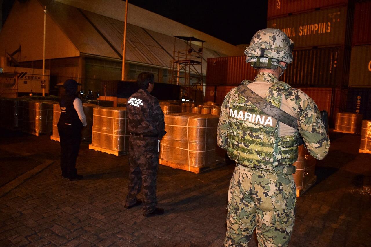 Aseguran en puerto de Manzanillo 18 kilos de precursores químicos