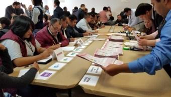 El tribunal federal electoral recuenta los votos de casillas