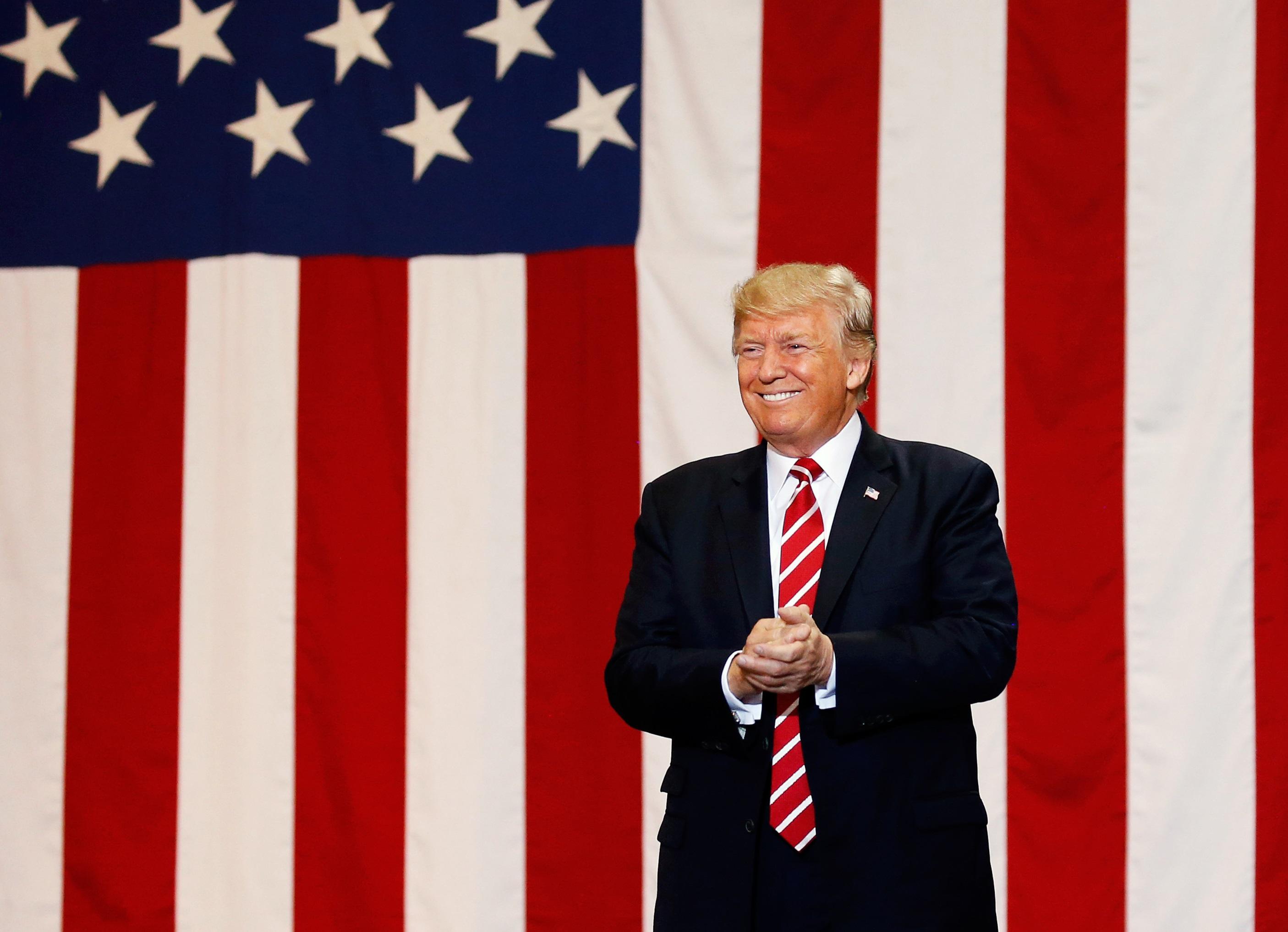 Trump afirma que es necesario muro frontera Mexico