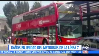Unidad doble piso Metrobús choca Villa