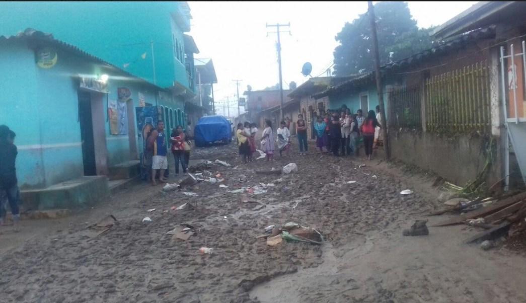 Desbordamiento de río en Guerrero daña viviendas