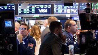 Wall Street abre al alza; esperan minutas de la Fed