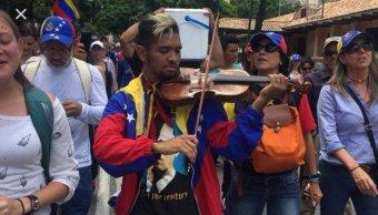 Liberan Wuilly Arteaga violinista protestas Venezuela