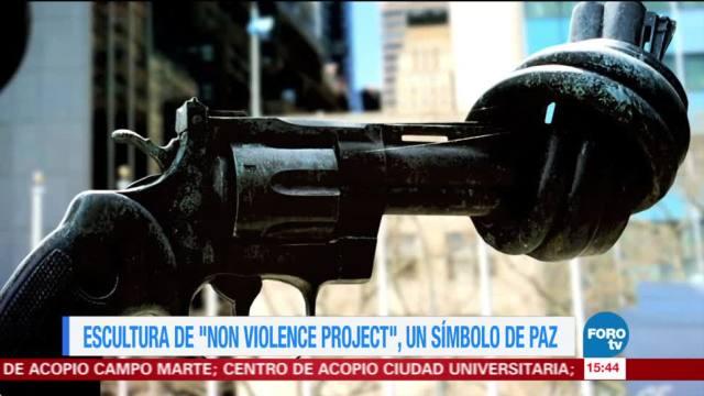Escultura de Non Violence Project un símbolo de paz