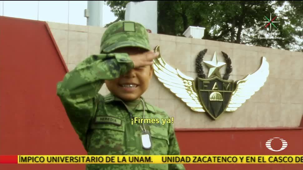 Soldados honorarios en el Desfile Militar