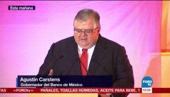 Agustín Carstens asiste a inauguración de sala en el MIDE