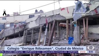 Siguen buscando a familiares de personas atrapadas entre escombros del colegio Rébsamen