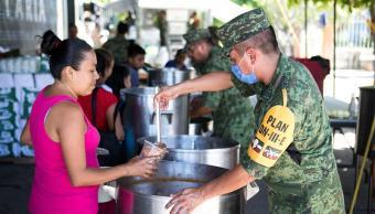 Fuerzas Armadas entregan ayuda a 600 mil afectados por sismo en Oaxaca