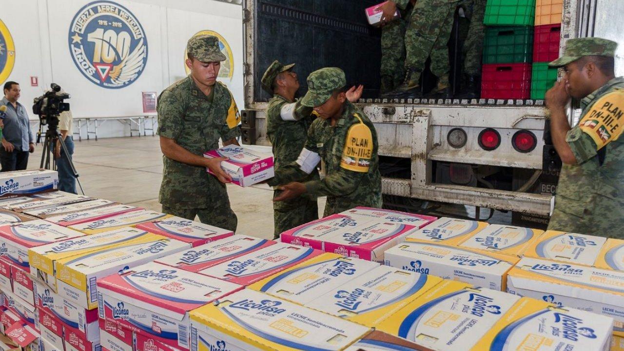 fuerzas armadas llevan viveres damnificados sismo