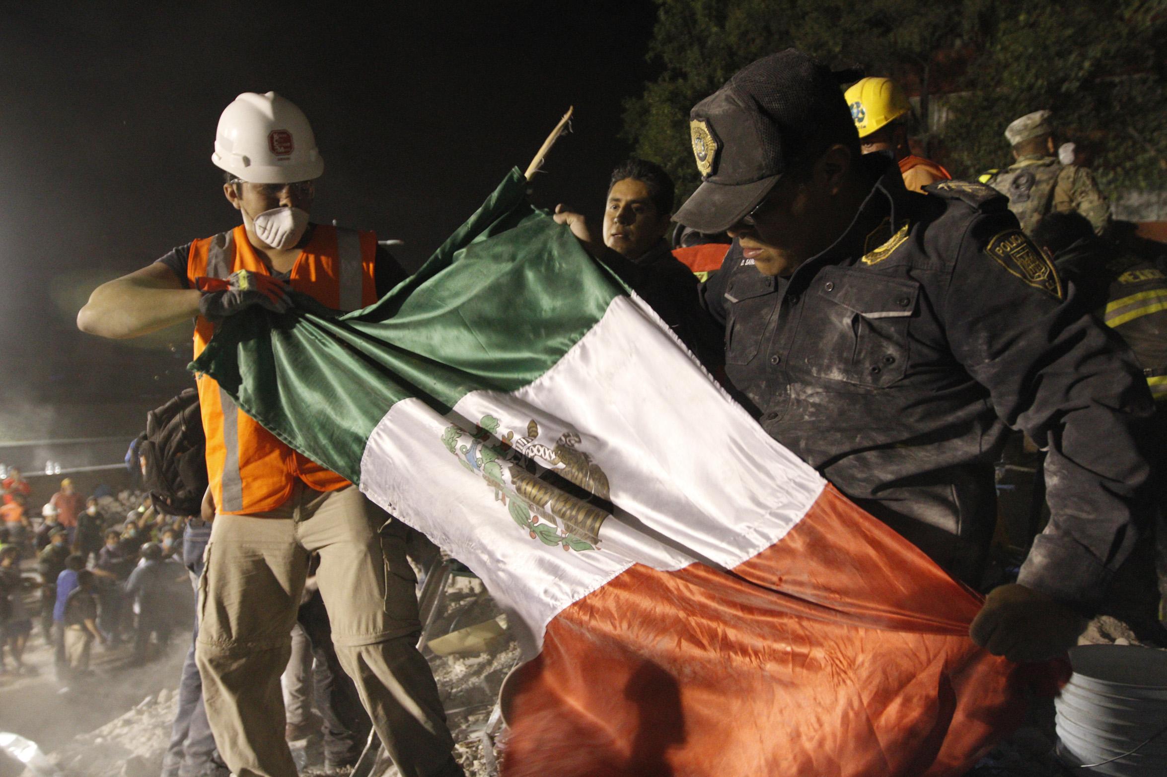Artistas ofrecerán concierto benéfico 'Estamos Unidos Mexicanos' en el Zócalo