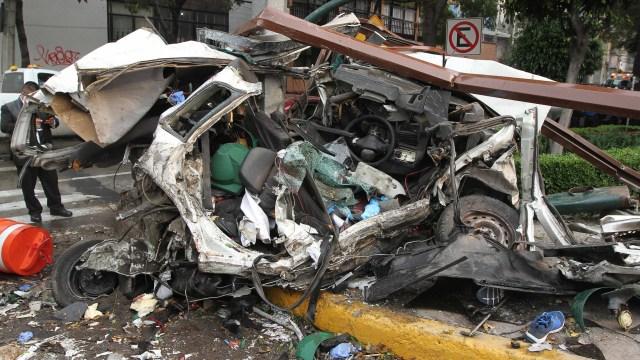 Suman cinco muertos por choque de pipa en Constituyentes
