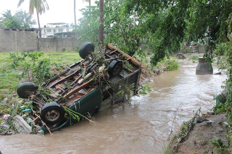 Huracán Max golpea a México: 2 desaparecidos y 600 casas inundadas